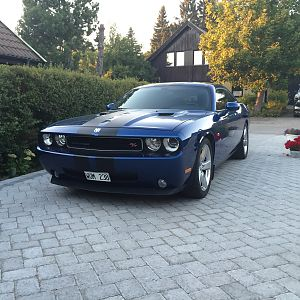 My Challenger R/T -09 on the driveway